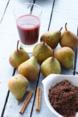Ingredients for stewed pears