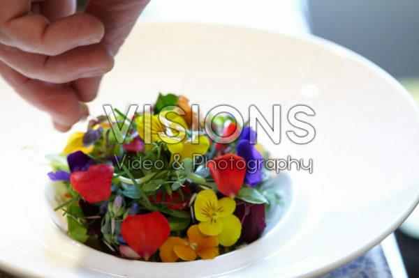 Kruiden-bloemen salade