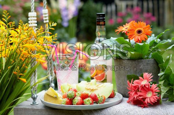 Zomerse bloemen en vruchten